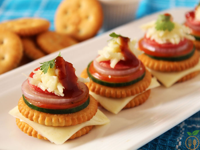 Monaco biscuit canapes how to make monaco biscuit toppings for Types of canape