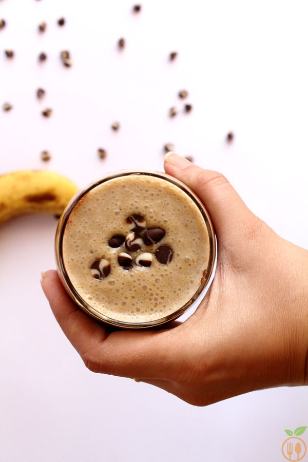 Chocolate Banana Smoothie With Chia Seeds