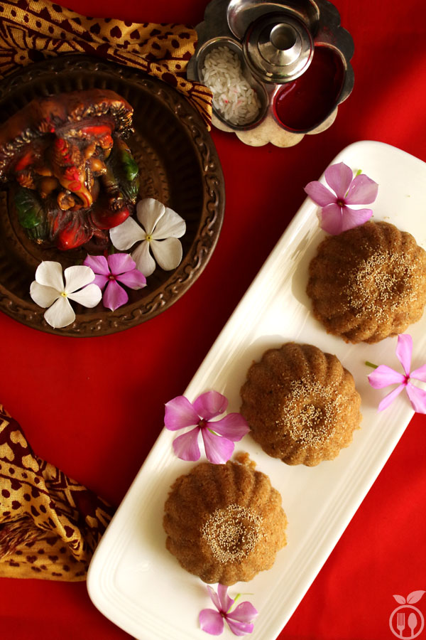 Authentic Gujarati Churma Ladoo Recipe