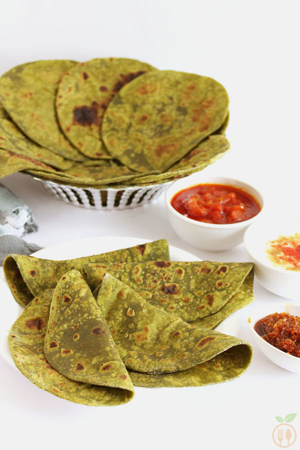 Palak Paratha OR Spinach Paratha - Indian flat bread (roti) prepared from whole wheat flour, spinach puree, garlic and salt.