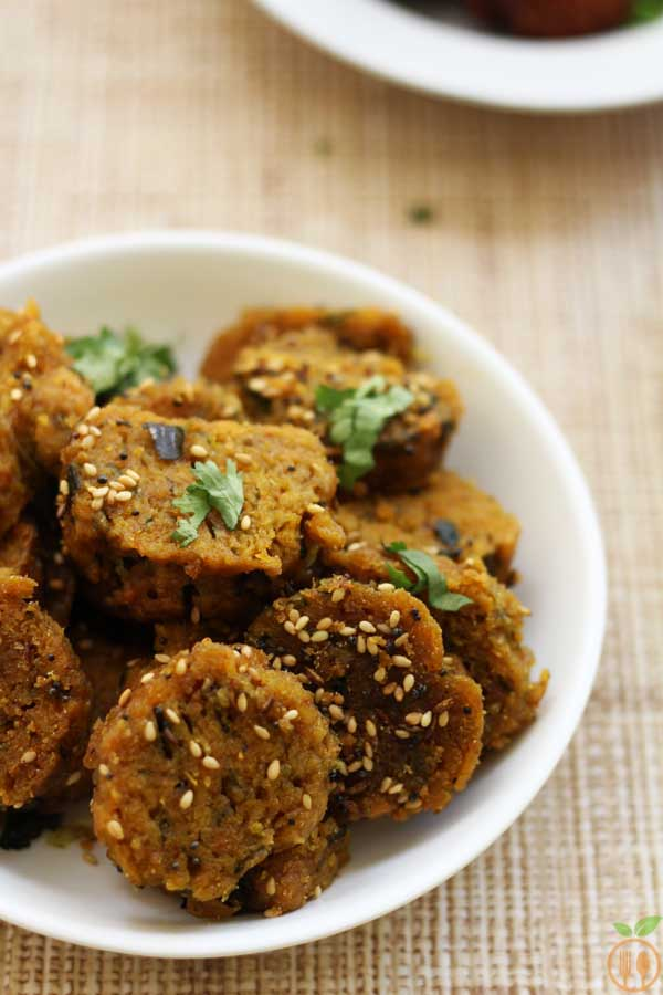 Dudhi Muthia Recipe | How to make Lauki and Methi Muthia