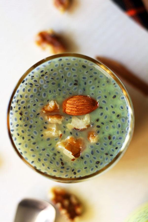 Golden Milk Chia Pudding | Turmeric Milk Smoothie